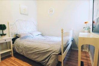 2 Bedrooms Suite near Kensington Market – Unit 1