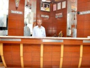 Mohak Palace Dx