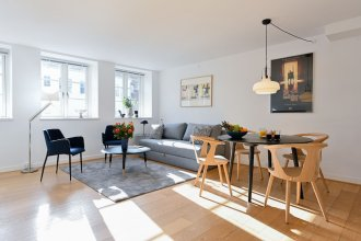 Beautiful 1 -bedroom Apartment in the Building From 1734 Heart of Copenhagen