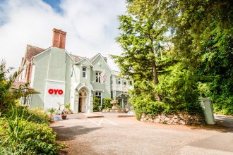 OYO Orestone Manor