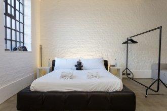 Studio House Sleeps 2 in Bethnal Green