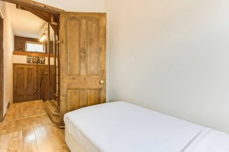 Characterful 3 Bedroom Home in Queen's Park