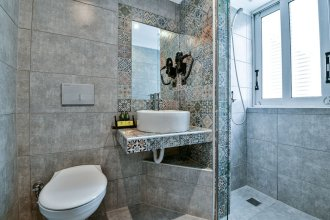 Aeolos Luxury Suites