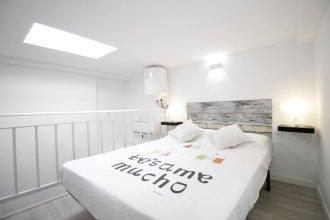 Dúplex con cama de Matrimonio y Sofá Cama A/C y WiFi SANB2