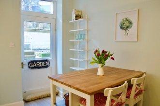 2 Bedroom Flat With A Garden In Bruntsfield