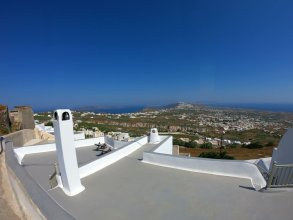 Santorini 180 Degrees
