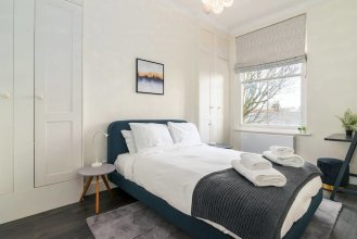 Modern 2BR Home in West London!