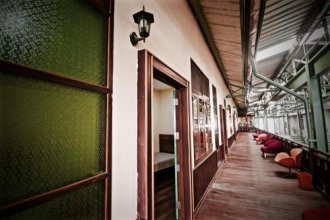 OYO 965 Art Hotel Sanamchai