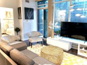 Toronto Downtown Suites Private Terrace