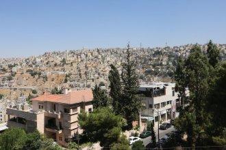 Jabal Amman Hotel Rainbow St.