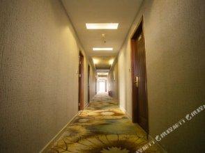 Super 8 Hotel (Shenzhen Henggang Metro Station)