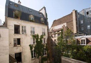 Place des Vosges Bastille Apartment