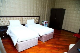 Golden Shine Hotel