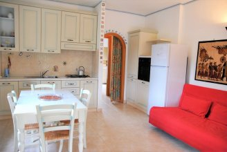 Holiday House for 6 Persons Near the Beach