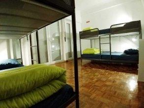 Hostel Theorynomad