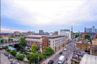 Modern 4 Bedroom Canal Side North London Flat
