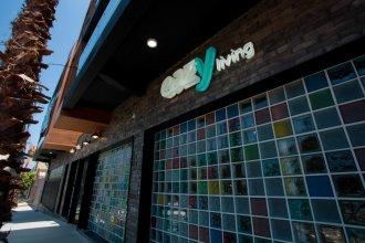Eazy Living Tijuana Centro