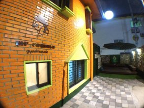 Mr.Comma Guesthouse - Hostel