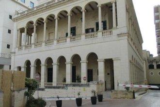 AX ¦ Palazzo Capua