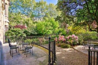 Garden in Paris - Luxury Apt - 2 BR