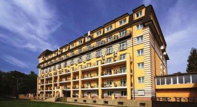 Promenad Spa Hotel