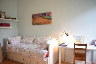Bright 2 Bedroom Apartment in Edinburgh