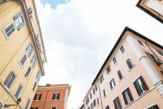 Pantheon Luxury Gold Apartment