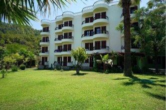 Zeus Kumlubuk Hotel (24km from Marmaris)