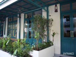 Pickled Tea Hostel