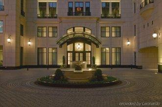 Waldorf Astoria Chicago