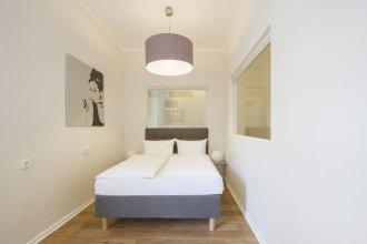 Primeflats - Huge Apartment at Gasometer 17