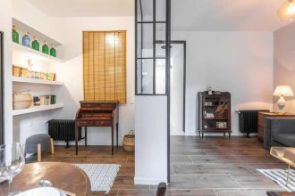 Bright & Compact One Bed Apartment in Malasaña