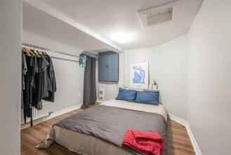 Leslieville Courtyard 1 Bedroom Apartment