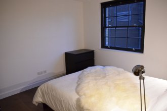 2 Bed Flat In Shadwell