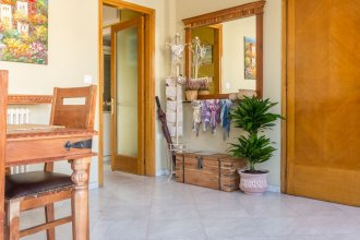 Sunny Luxurious 2Br 2Ba Apt In Athens