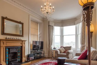 Beautiful Georgian Apartment in Bruntsfield
