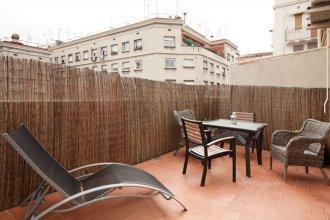 Sunny Penthouse Sagrada Familia