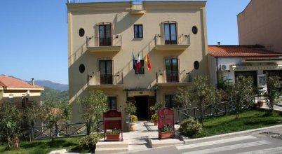 Ypsigro Palace Hotel