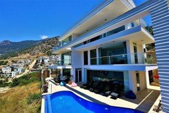 Villa Luminex by Akdenizvillam