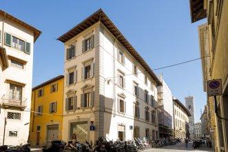 Arnobio Florence Suites