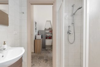 Stone Apartment M8 Bari City Center