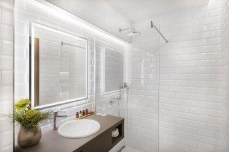 Vision Luxury Suites