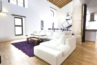 House With one Bedroom in Jerez de la Frontera, With Pool Access, Enclosed Garden and Wifi - 16 km From the Beach