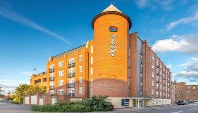 Travelodge Hotel - London Romford