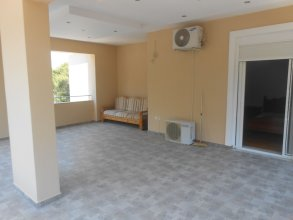 Luxury 2-bed House in Pefkali