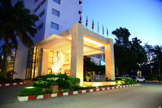 Hua Hin Grand Hotel and Plaza
