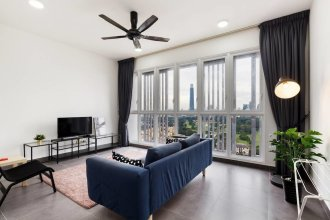 Charming 3BR Suite With Spectacular Views of Klcc!