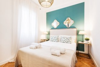 4pax. With 2 Bds. & 2 Bathrooms Next to Atocha Train Station