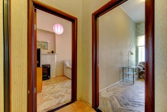 Longo on Galernaya Apartaments