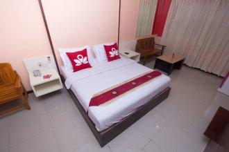 ZEN Rooms Surasak 1